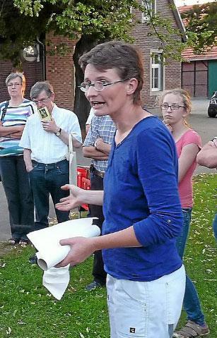 Dr. Pia Aumeier Wissenschaftlerin an der Ruhr – Universität Bochum, angesehenen Bienenforscherin und Imkerin.